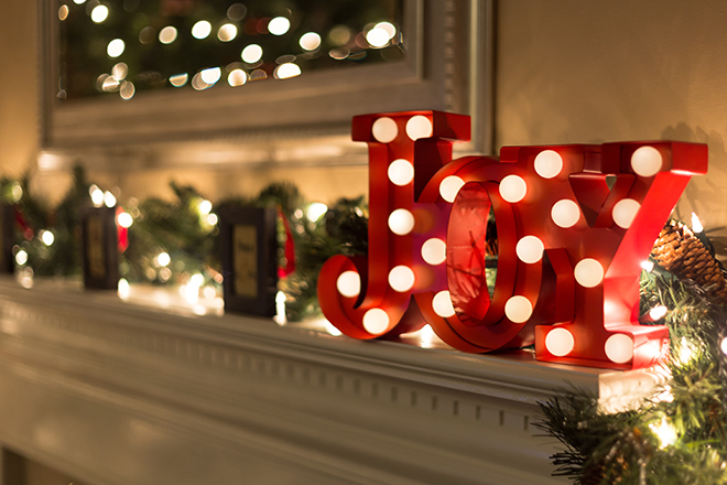 DIY: How to Decorate With Christmas Lights
